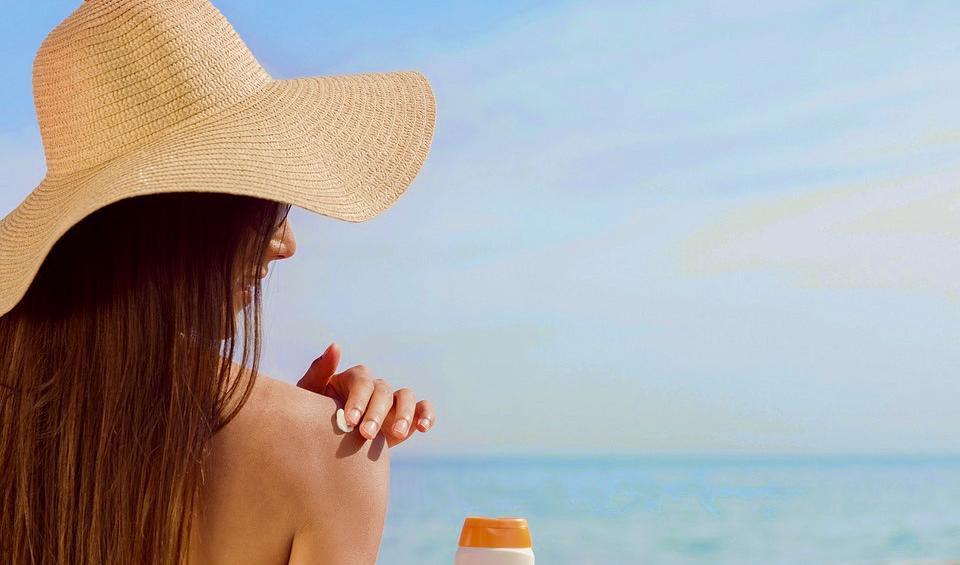 Är vanliga solkrämer skadliga?